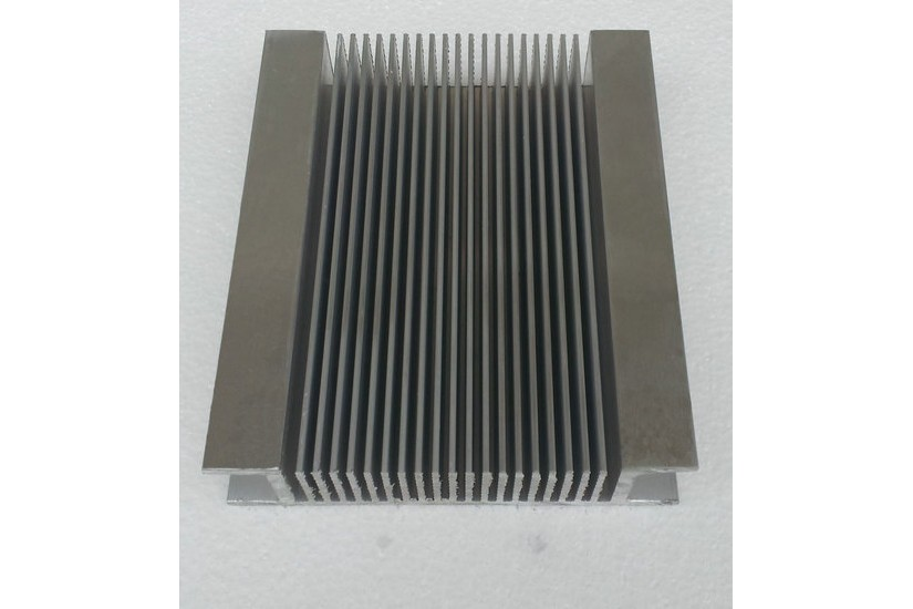 Алюминиевый радиатор 172 мм